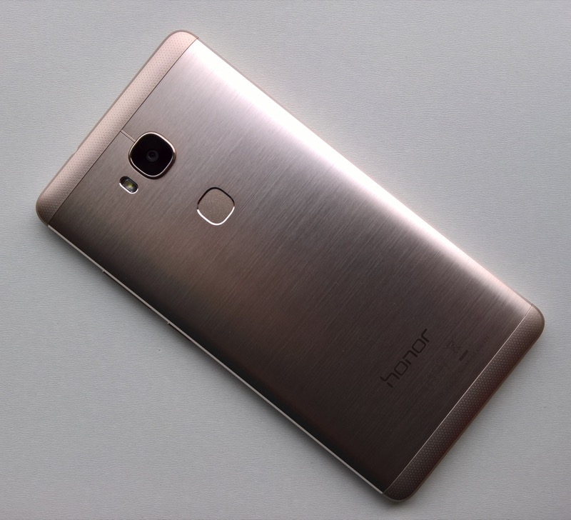 5X from the back - metal, sensor, etc.