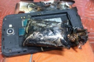 Users Asked to be Careful With All Galaxy Note Devices After Galaxy Note 2 Bursts Into Flames on Flight in India