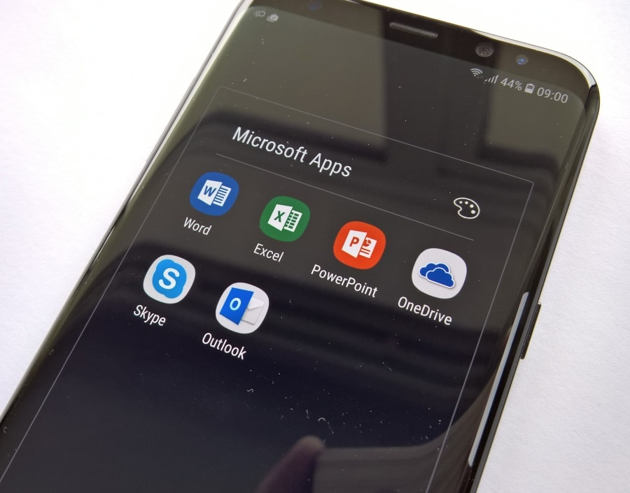 Good to see Microsoft apps bundled here as well as Samsung's own and Google's
